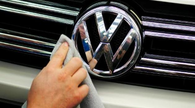 The United Auto Workers union suffers a major defeat when workers at German auto giant Volkswagen's Tennessee plant reject its organizing efforts/AFP