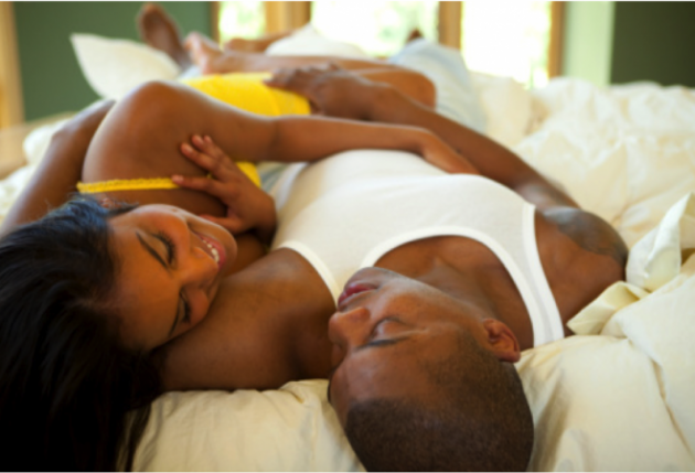 black-couple-in-bed