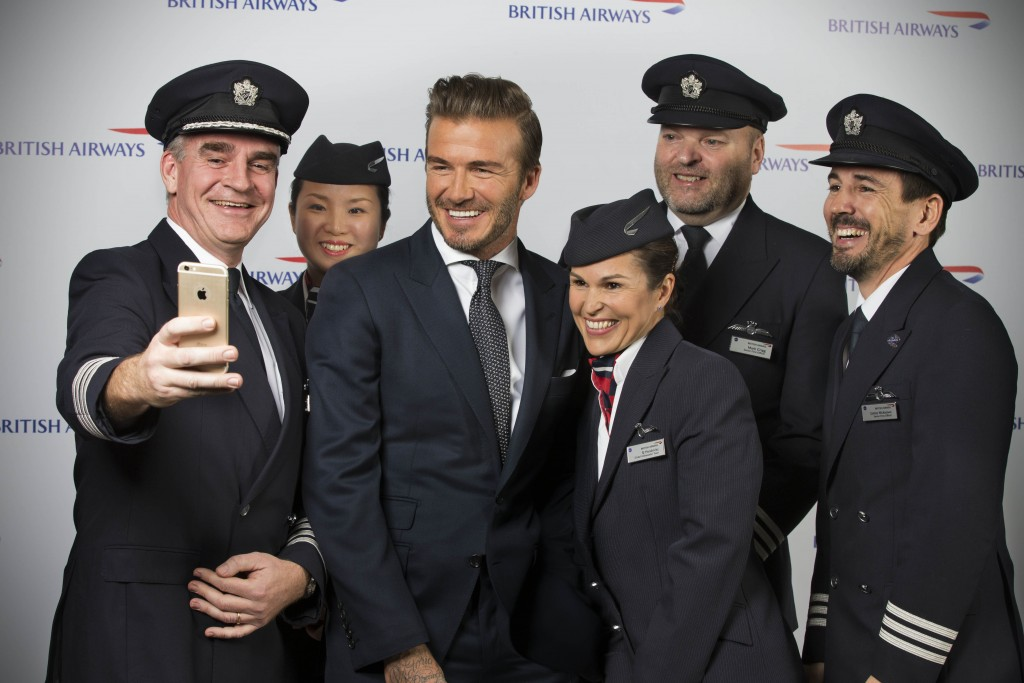 David Beckham poses for a selfie with Briitsh Airways pilots and cabin crew (c) Wouter Kingma