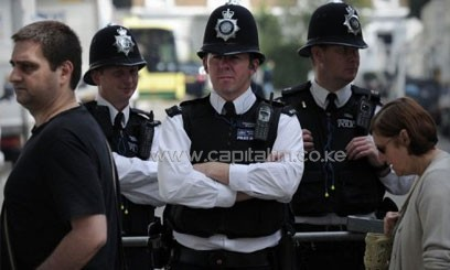 Policemen taking guard in London/FILE