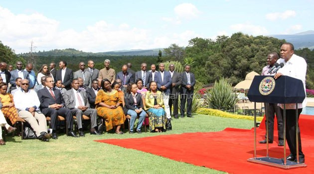 President Uhuru Kenyatta and his Deputy William Ruto along with Cabinet Secretaries resolved to take a 20 and 10 percent pay cut respectively. PSCU