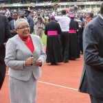 Uhuru leads mugithi as youth dance for Pope in Kasarani