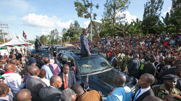 Speaking after commissioning the Kangema-Gacharage Road in Kiharu Constituency in Murang'a County, President Kenyatta said the government would not compromise on lazy contractors who do not complete their work on schedule/PSCU