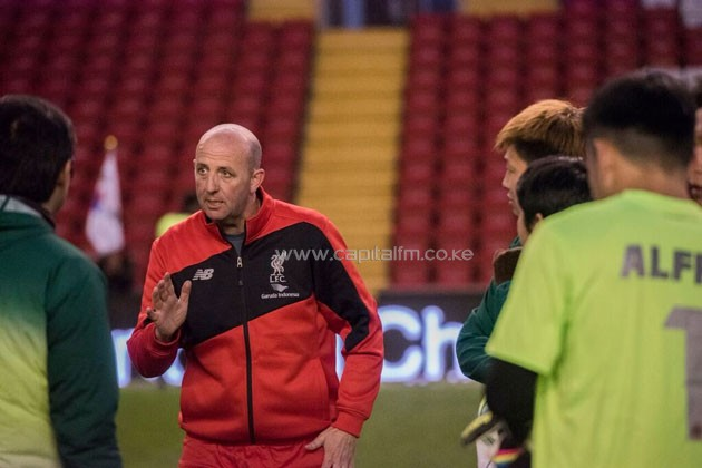 Former Liverpool midfielder Gary McAllister giving his Hong Kong side pep talk at the 2016 Standard Chartered Final in Anfield