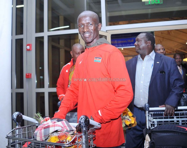Ezekiel Kemboi after touching down at the Jomo Kenyatta Airport on Friday night. PHOTO/RAYMOND MAKHAYA