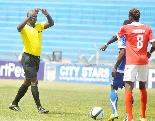 Western Stima midfielder Kenneth Muguna prepares to take a free kick in a match against nairobi City Stars on September 11, 2016 at Nyayo Stadium. PHOTO/RAYMOND MAKHAYA
