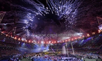 Fireworks at the Olympic Stadium mark the end of the London 2012 Paralympic Games, on September 9, 2012/AFP