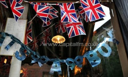 A sign in the window of British restaurant Tea and Sympathy in New York marking the royal baby's birth on July 22, 2013/AFP