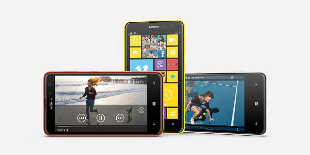 The Lumia 625 offers the choice of changeable cases available in white, black and yellow.