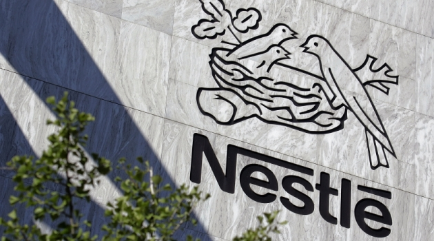 Nestle drops control option over cosmetics beauty L'Oreal/AFP