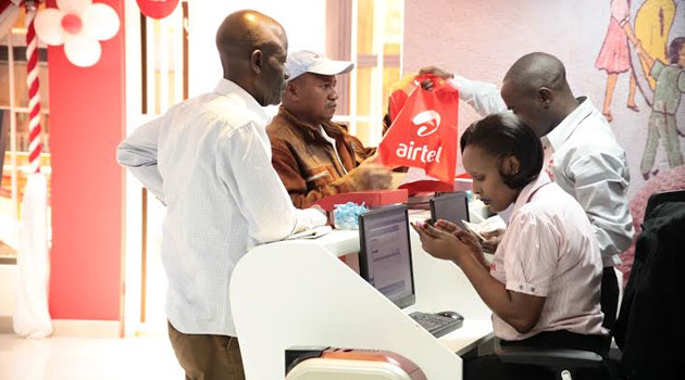 Customers at an Airtel shop. Photo./FILE