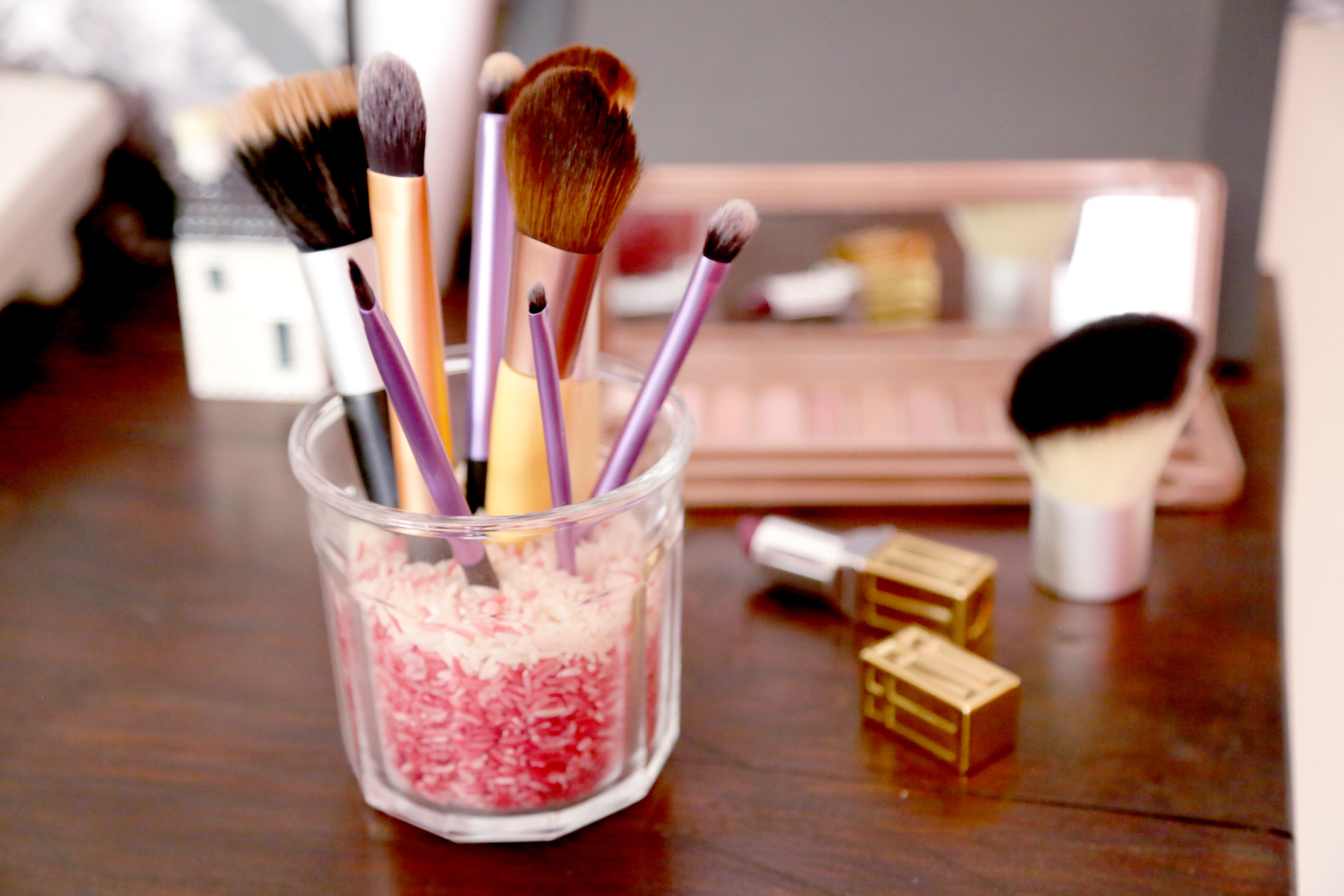 Tippy Tuesday - Storing makeup brushes
