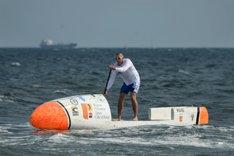 afp-french-stand-up-paddler-embarks-on-atlantic-odyssey