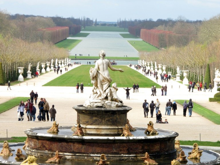 afp-artist-eliasson-plans-gigantic-fountain-for-versailles