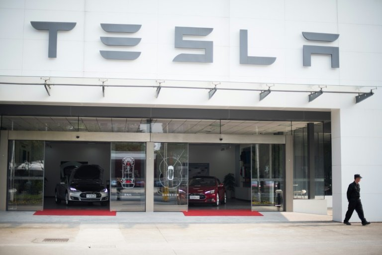 afp-tesla-accelerates-to-hit-target-of-making-500000-cars