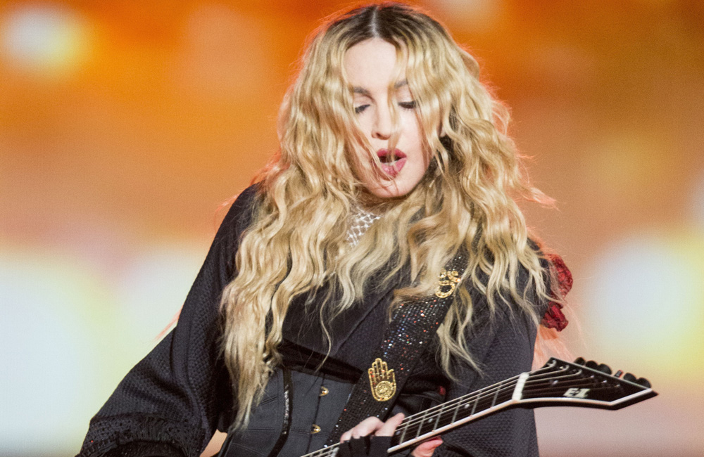 Madonna - Madonna records with female orchestra for new album