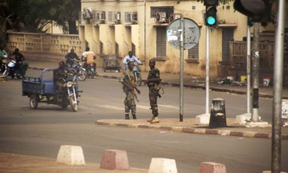 Mali coup leaders close all borders 'until further notice