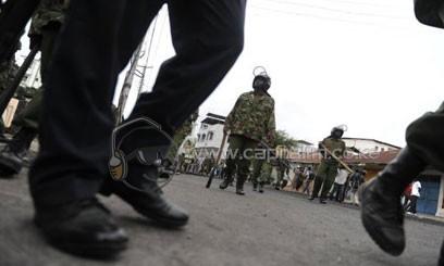 KENYA-COPS-PATROL