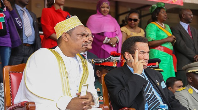 Comoros president Ikililou Dhoinine (l) with his Botswana counterpart Lieutenant General Seretse Khama Ian Khama. Photo/PSCU