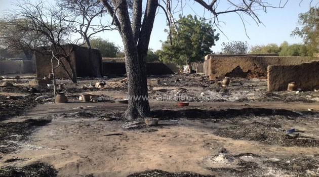 A picture taken on February 13, 2015 shows the village Nougboua after it was attacked by Nigeria's Boko Haram rebels  © AFP/File