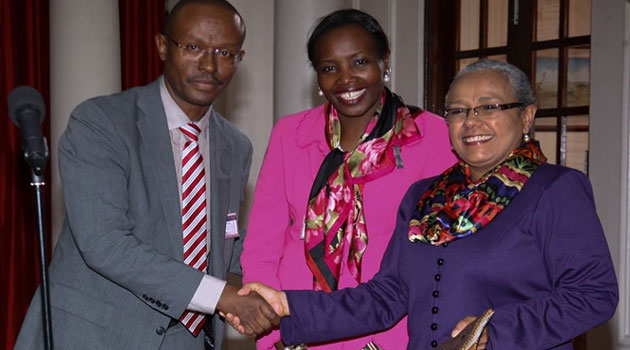 First Lady Margaret Kenyatta receives donation from Miller Foundation Kenya chairman Cecil Miller towards Beyond Zero campaign/FILE