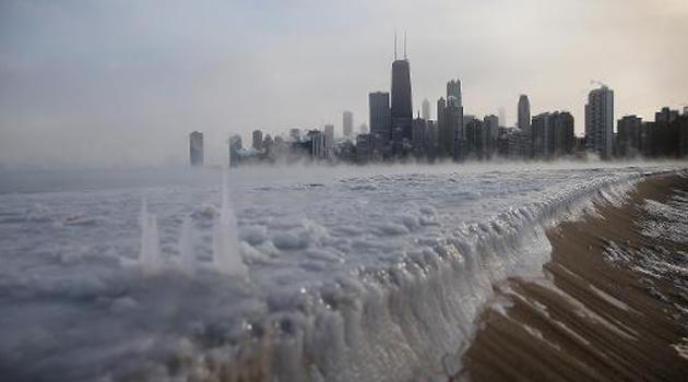 Lake Michigan frozen/FILE