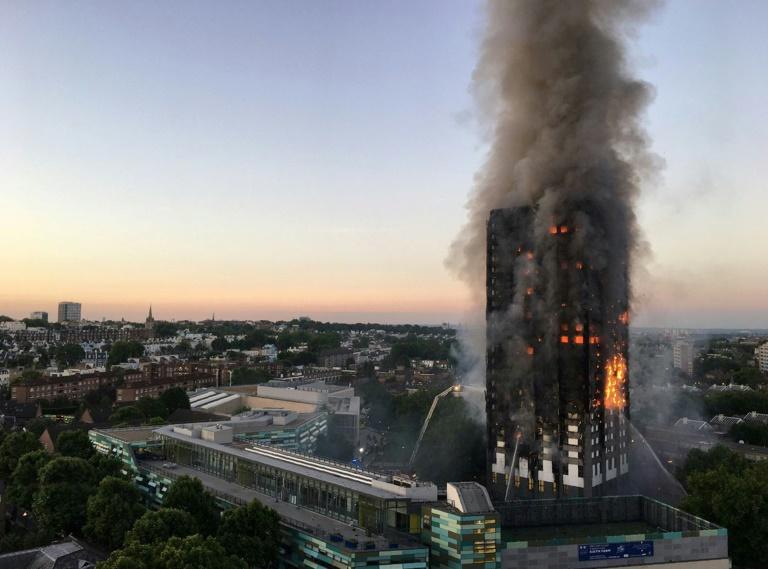 LONDON TOWER BURNS