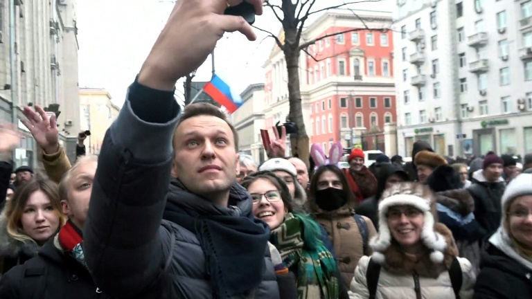 Russia Threatens YouTube, Instagram Over Videos Of Kremlin Official And Oligarch