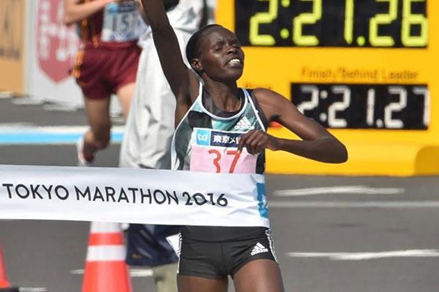 Helah Kiprop winning at the 2016 Tokyo Marathon (Getty Images / AFP)