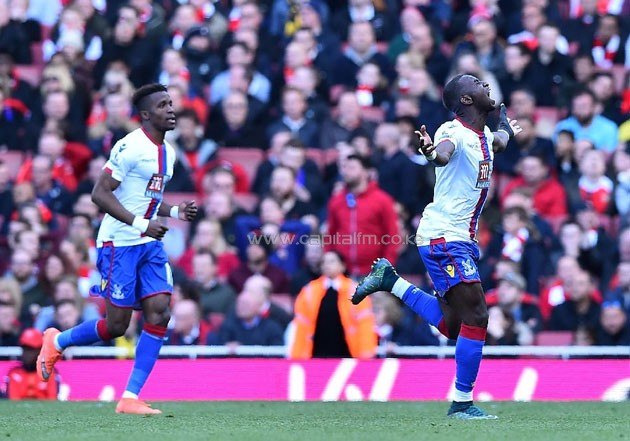 rystal Palace's midfielder Yannick Bolasie (R) celebrates scoring on April 17, 2016 Crystal Palace's midfielder Yannick Bolasie (R) celebrates scoring on April 17, 2016 (AFP Photo/Ben Stansall)