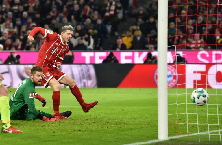 Bundesliga review: Bayern Munich beat Cologne, Schalke move to second