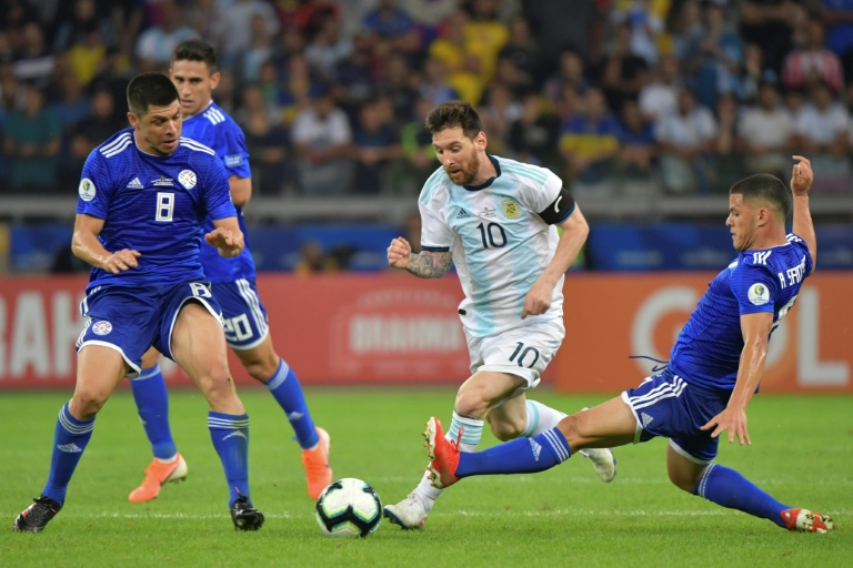 16e90d933b501bd233ec13459d5bbaa4dc7351d1 - Messi rescues Argentina as Paraguay pay penalty
